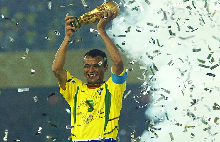 El bicampeón de la copa mundial «Cafu» se une a VeganNation para salvar la amazonia