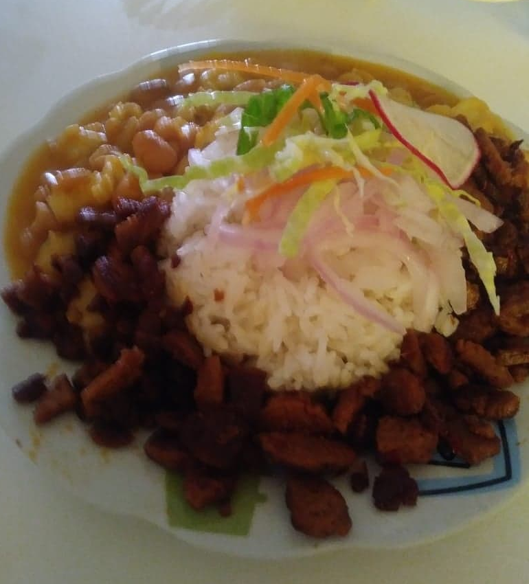 Receta veg: Frijol con mote y carne de soya